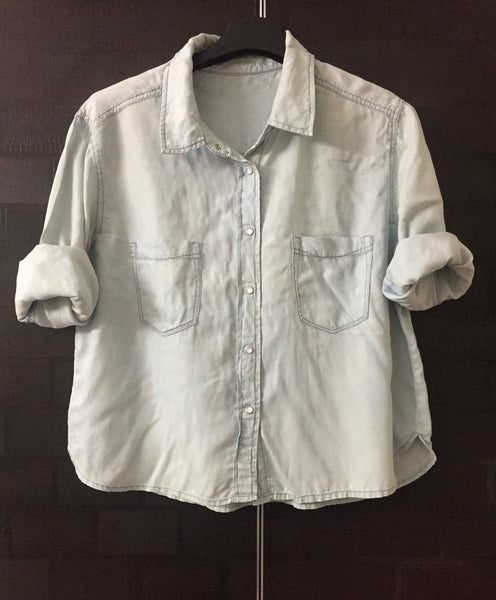 Soft Feel, Comfy Fit, Short Denim Shirt