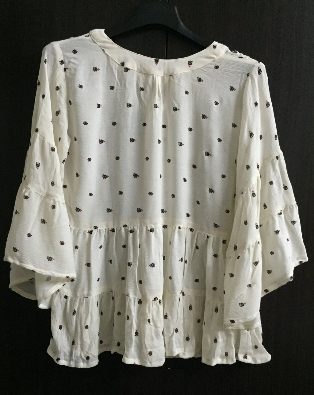 Pretty Cream Loose Sleeved Top