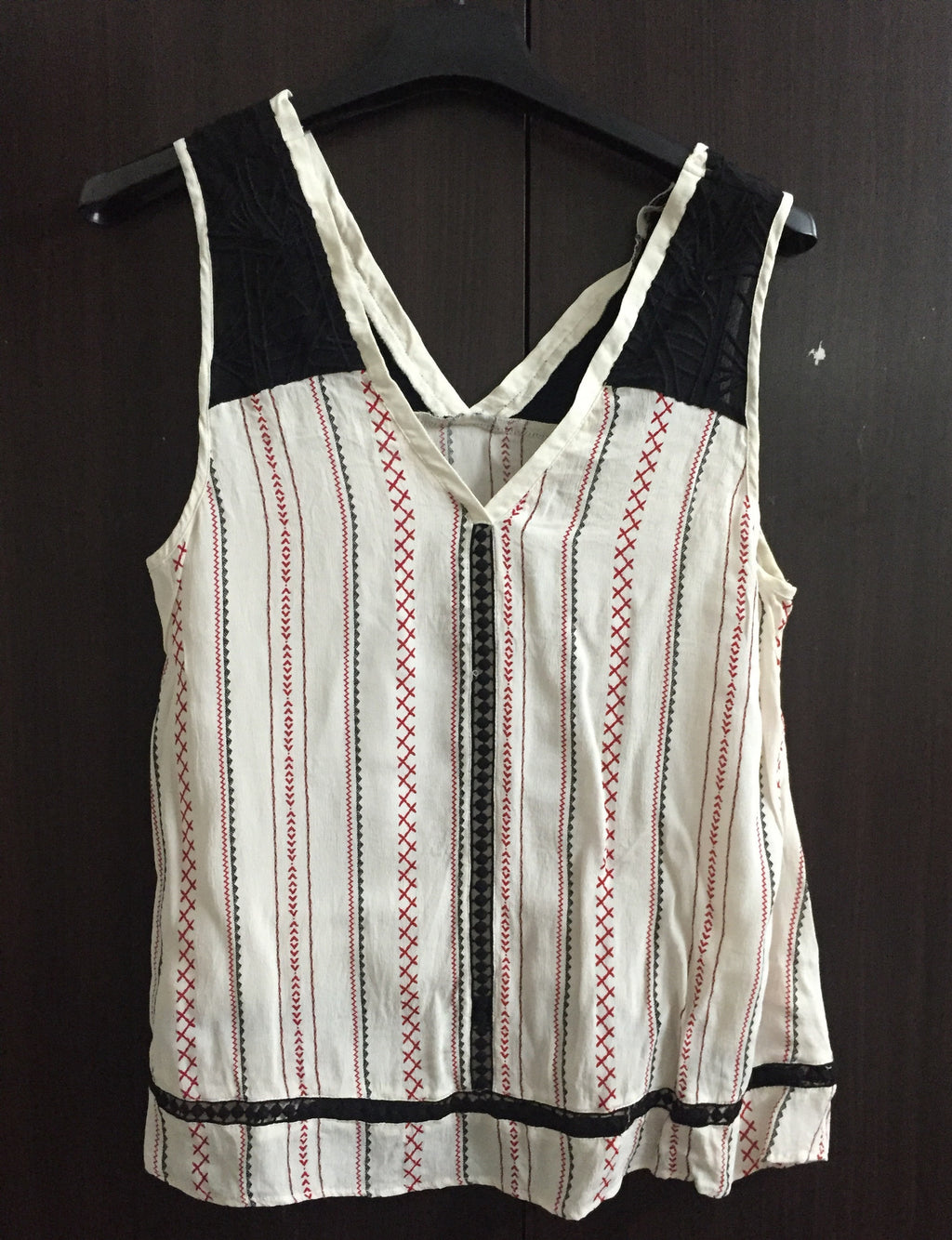 Stylish Cream and Black Sleeveless Top