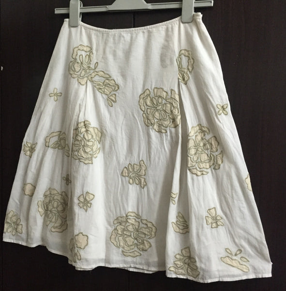 Pretty Off-white Floral Skirt