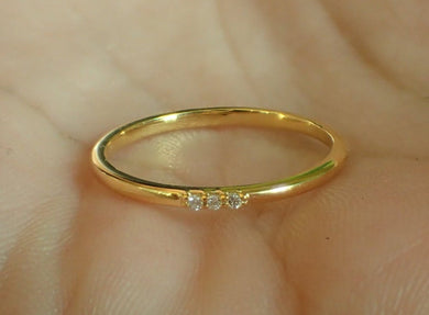 Dainty Diamond Wedding Ring / Women's Ring
