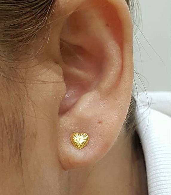 18K Yellow Gold Stud Earrings Heart 9195 - ZNZ Jewelry Philippines