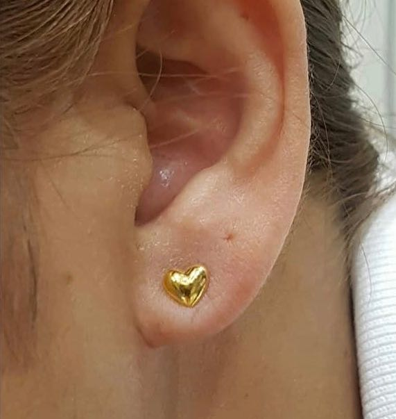 18K Yellow Gold Stud Earrings Heart 9197 - ZNZ Jewelry Philippines