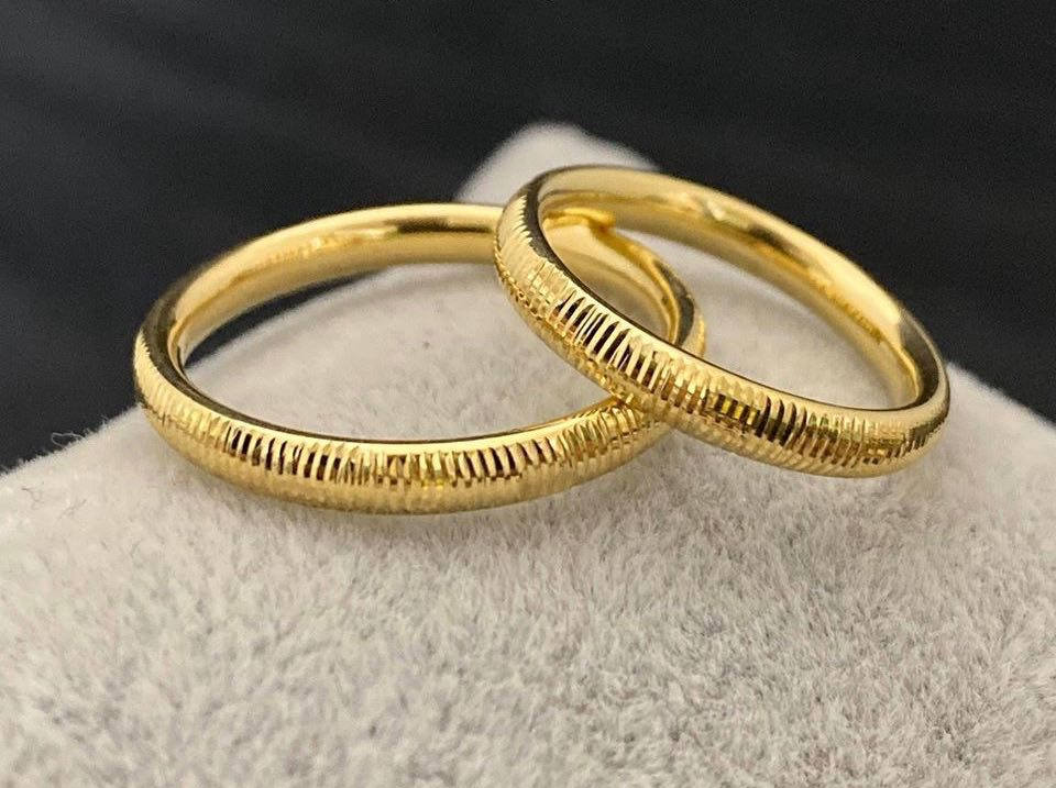 CLAUDE 18K Gold Thin Trendy Wedding Bands, Couple Rings - ZNZ Jewelry Philippines
