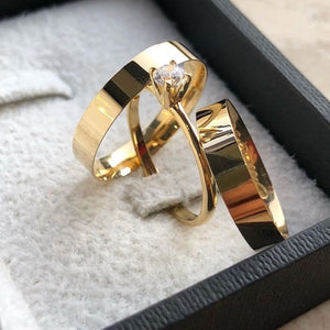 EVERLY Trio Engagement Ring with Wedding Band