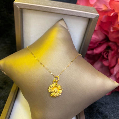 Women's Necklace, Daisy Secret Love, 24K Gold Pendant with 18K Gold Chain