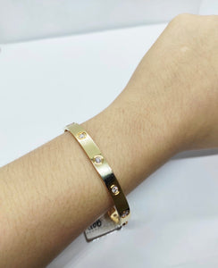 Love Diamond Screw Type Bangle in 18K YellowGold