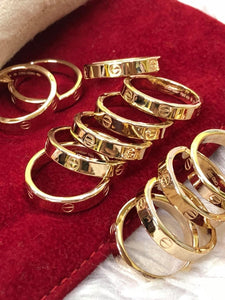 Slim CARTR 18K Gold Wedding Rings