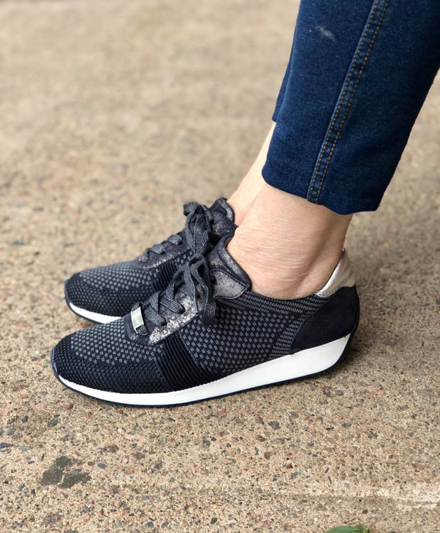 Lilly Fusion4 Trend Sneaker | Blue - Wright Shoe Co. Ltd