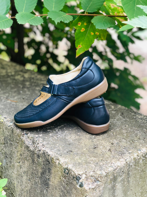 April | Mary Jane - Navy  (Removable Footbeds) - Wright Shoe Co. Ltd