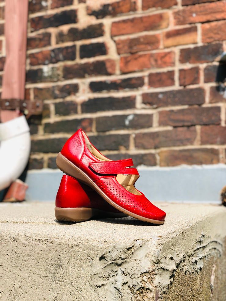 Auburn Mary-Jane Shoe | Red - Wright Shoe Co. Ltd