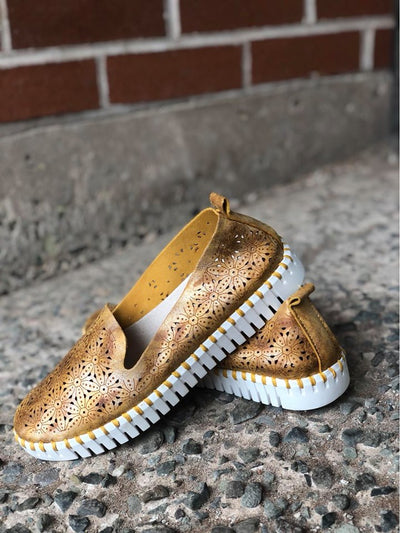 Grateus | Flexible Slip-On Shoe - Mustard - Wright Shoe Co. Ltd