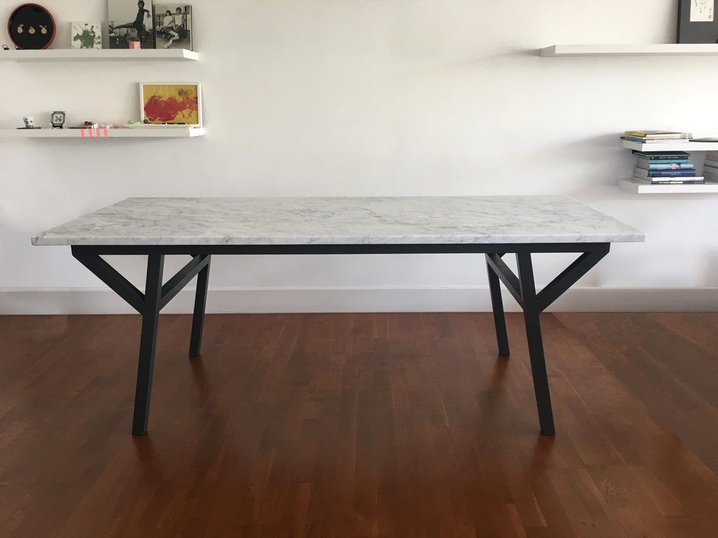 LUCA TABLE IN CARRARA MARBLE