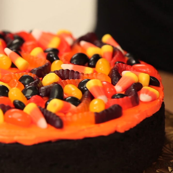 Halloween Marshmallow Cobweb Cake – HOW TO CAKE IT