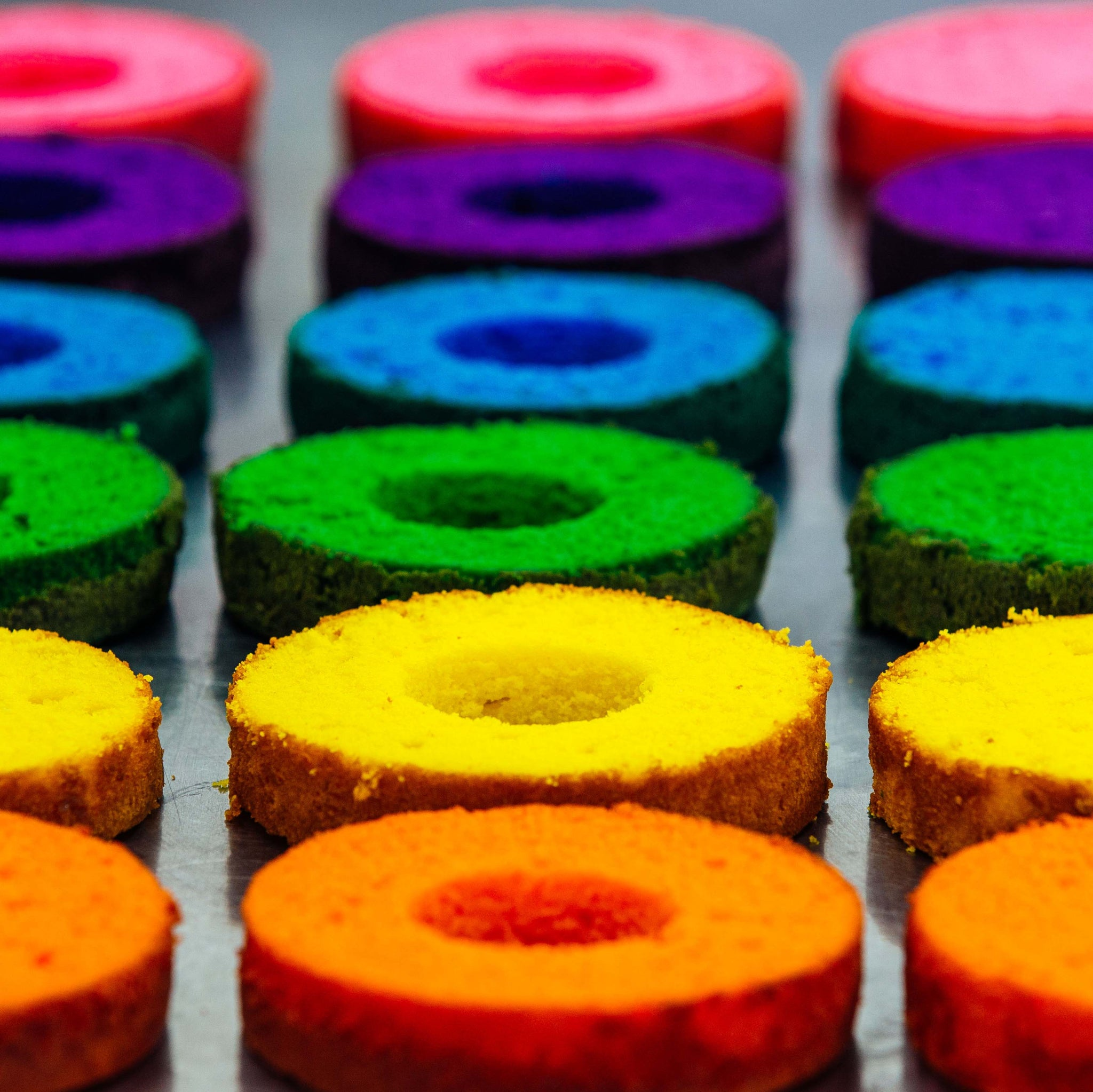 Rainbow Cakes – HOW TO CAKE IT