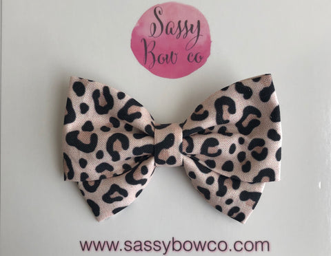 PRE-ORDER Snow Leopard Madi Cotton Bow