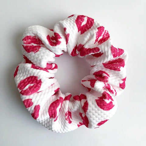 Kiss kiss Scrunchie