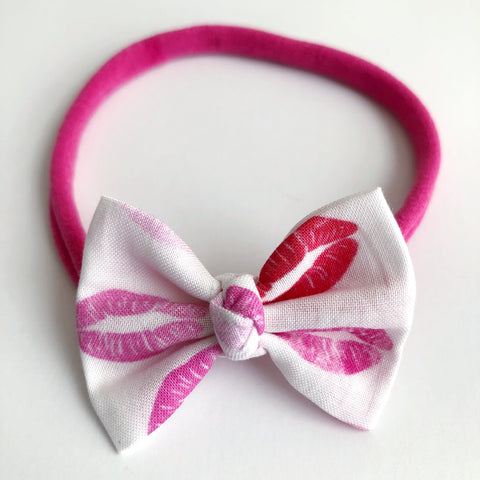 "Smooches 2"" Chloe bow"