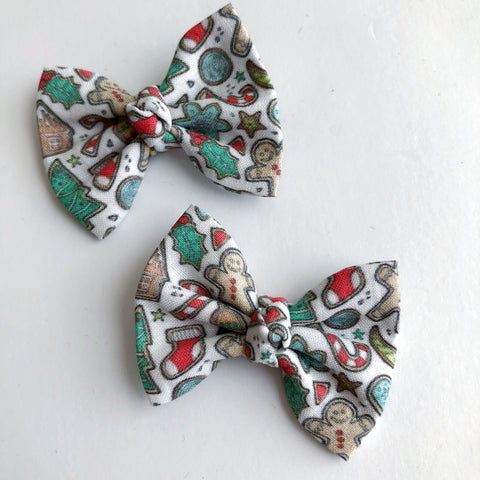 "Christmas Cookies 2"" pigtail set"