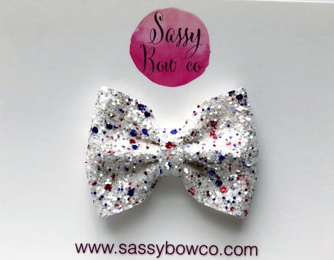 Small Independence Glitter Bow