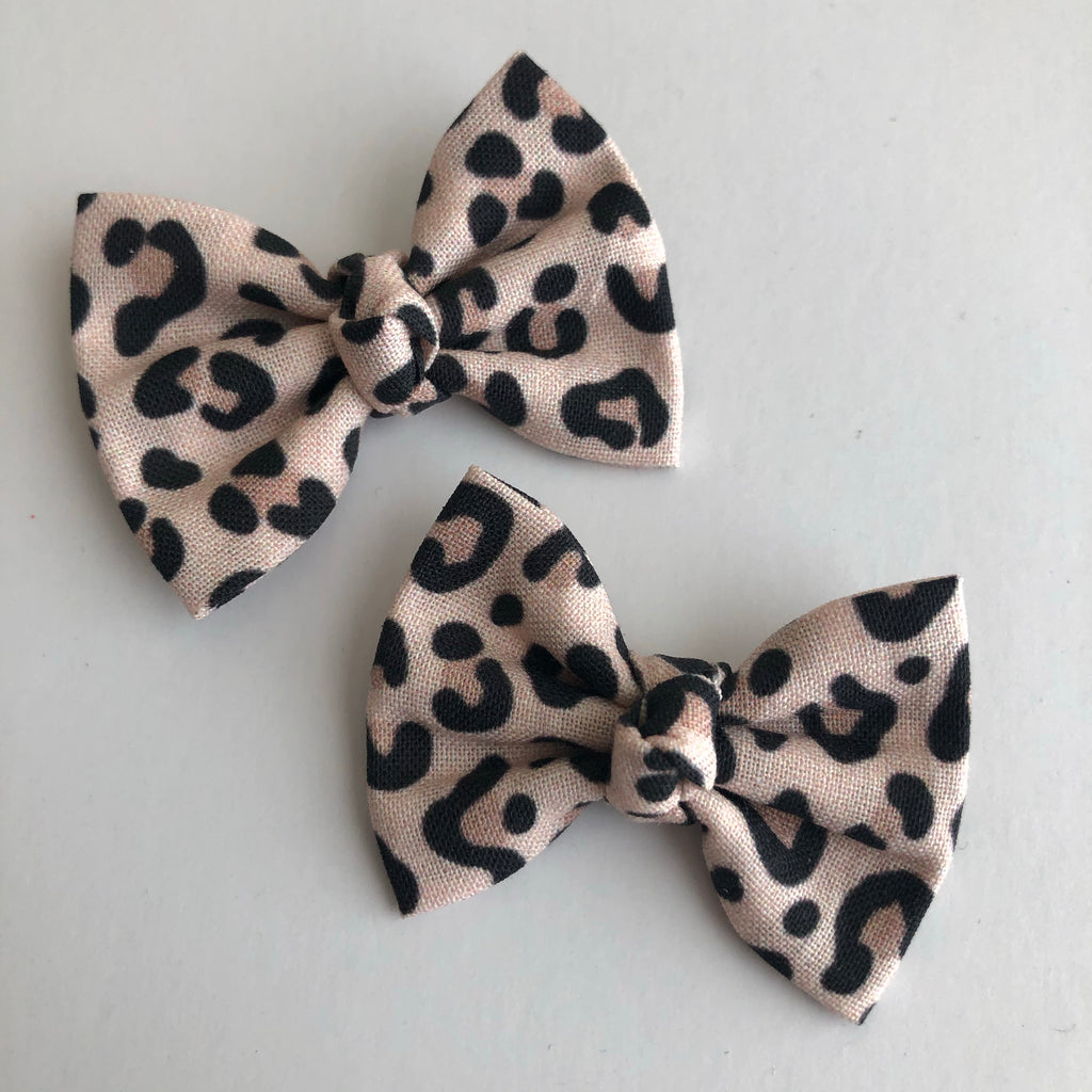 "Snow Leopard 2"" pigtail set"