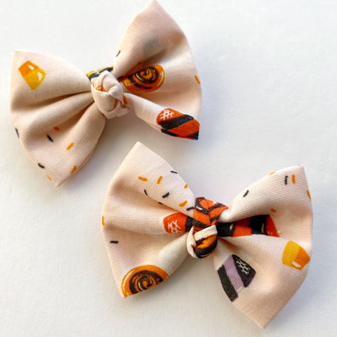 "Halloween Candy 2"" pigtail set"