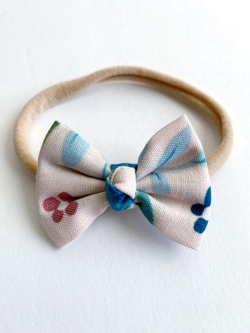"Neutral Floral 2"" Chloe bow"