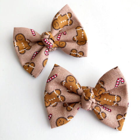 "Gingerbread Man 2"" pigtail set"