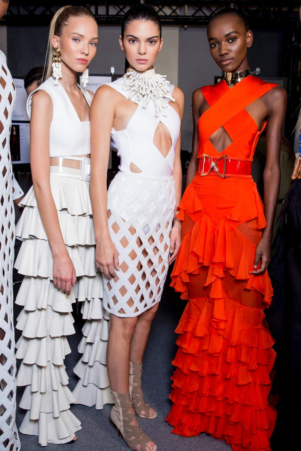 Watch the Balmain Spring 2016 ready-to-wear fashion show