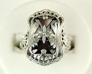 ANTIQUE STYLE STERLING SILVER RING GARNET FILIGREE