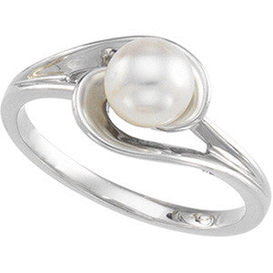 14K White Gold Akoya Cultured Pearl (6MM) Ring