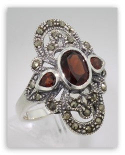 ANTIQUE STYLE STERLING SILVER DINNER RING 3 GARNET w MARCASITE