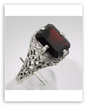 ANTIQUE STERLING SILVER RING GARNET 2.50 CARATS