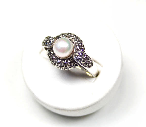 PEARL AND MARCASITE  RING STERLING SILVER ANTIQUE STYLE SIZE 8 RETAIL $95 + TAX!