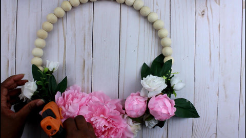 wood bead wreath tutorial