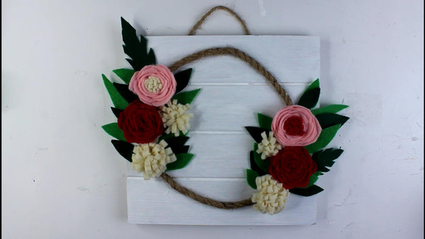 DIY FELT FLOWER SIGN