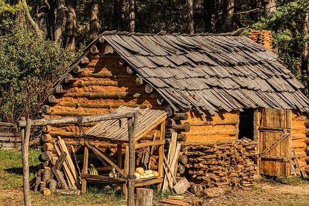 Settlers Were Believed To Have Built Log Cabins In The Early 1600s In North  America. Historians Consider The First Of These Country Log Cabins Were  Built In ...