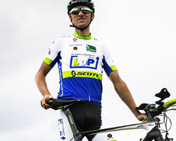custom cycling clothing customer