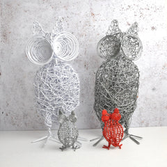 wire art owls. 2 large in white and natural and 2 small in red and natural