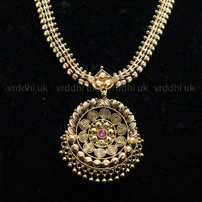 GOLD PLATED  SHORT NECKLACE 13