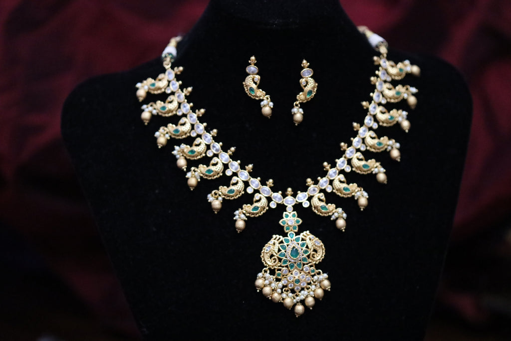 TEMPLE ANTIQUE  SHORT NECKLACE & EARRING 170