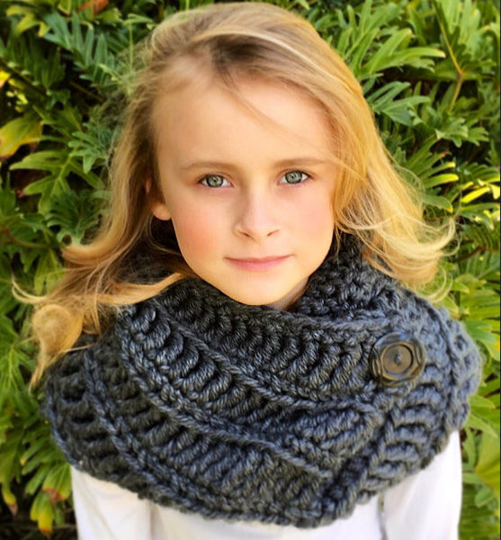 girl cowl scarf crochet pattern