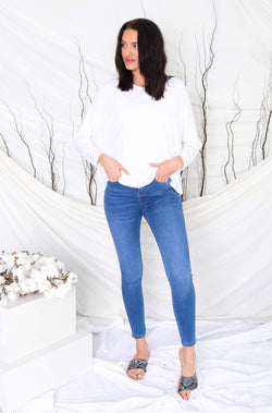 khloe-blue-wash-jeans