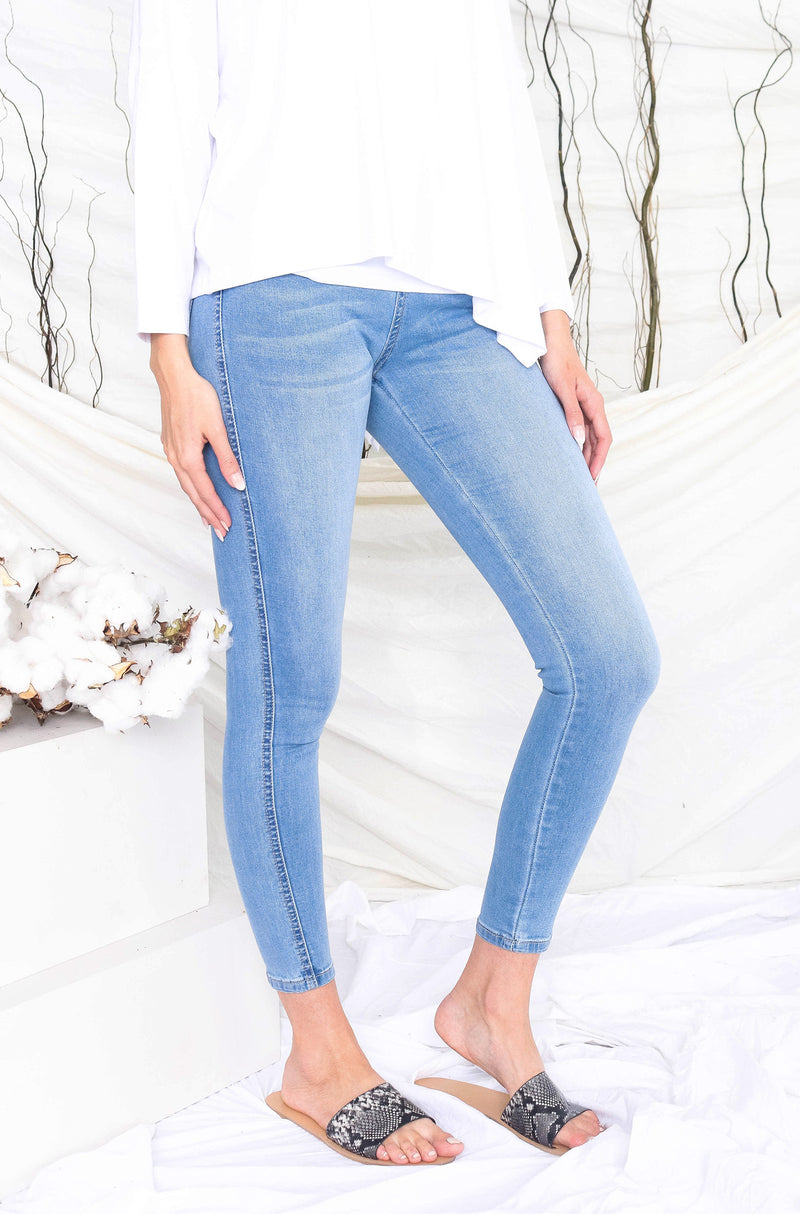 high-waisted-denim