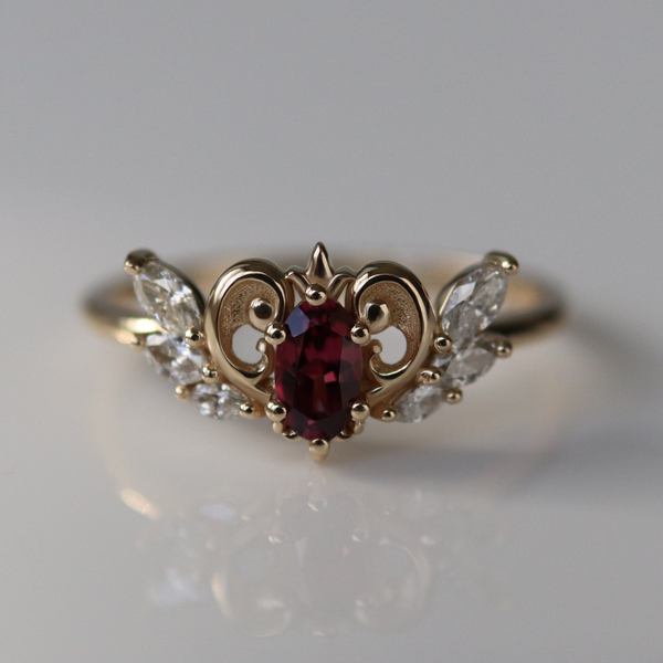 Neo-Queen Ring