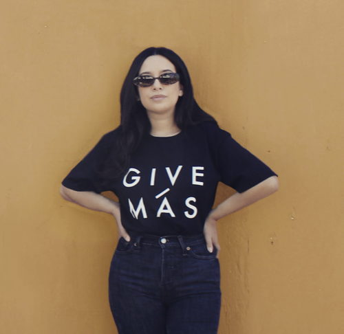 UNISEX BLACK  GIVE MÁS TEE