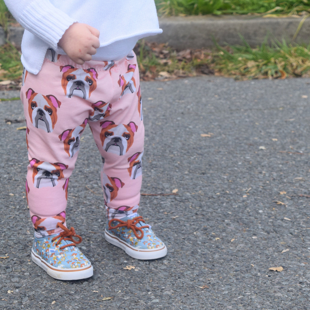 English Bulldogs on Peach Leggings