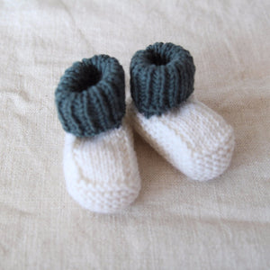 Cream and Bottle Green Vintage Knitted Booties