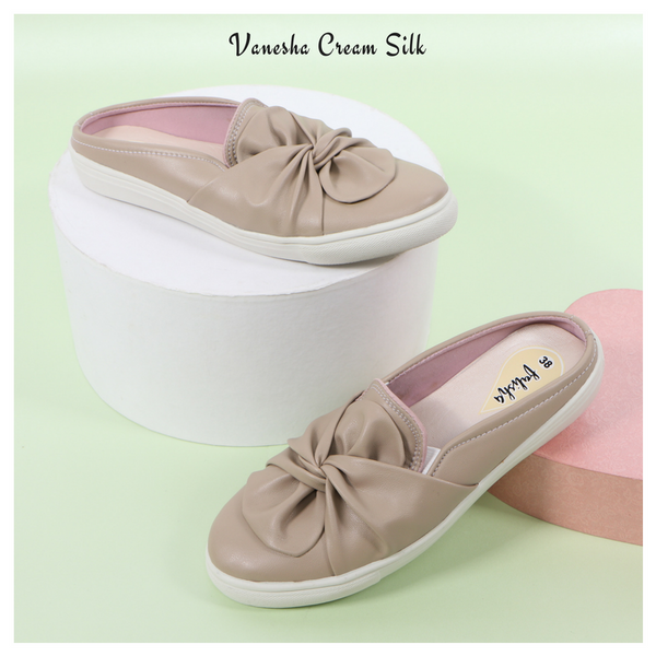 Vanesha Cream Silk