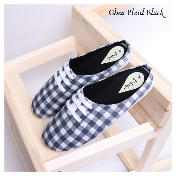 Ghea Plaid Black